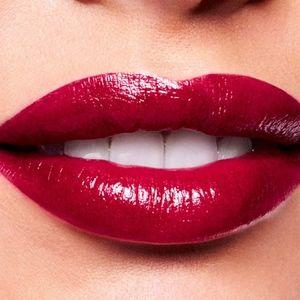 MAC Aaliyah Lipstick More Than a Woman - deep Red